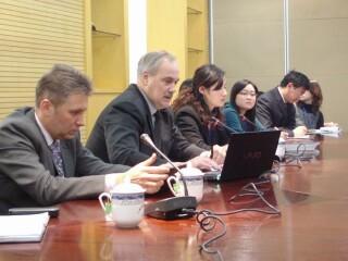 俄罗斯外交部副司长萨佐诺夫上海座谈会
