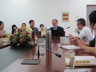 美国弗吉尼亚大学Brantly Womack教授访问华东师大俄罗斯研究中心