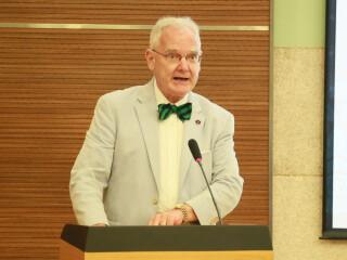 国关院兼职教授、美国弗吉尼亚大学林奇教授在2018届毕业典礼上的发言