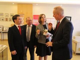 白俄罗斯教育部第一副部长、白外交部副部长访问华东师范大学白俄罗斯研究中心