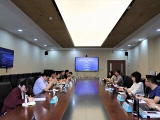 """上海市俄罗斯东欧中亚学会举办""""美俄元首会晤与中俄美大国关系""""座谈会"""